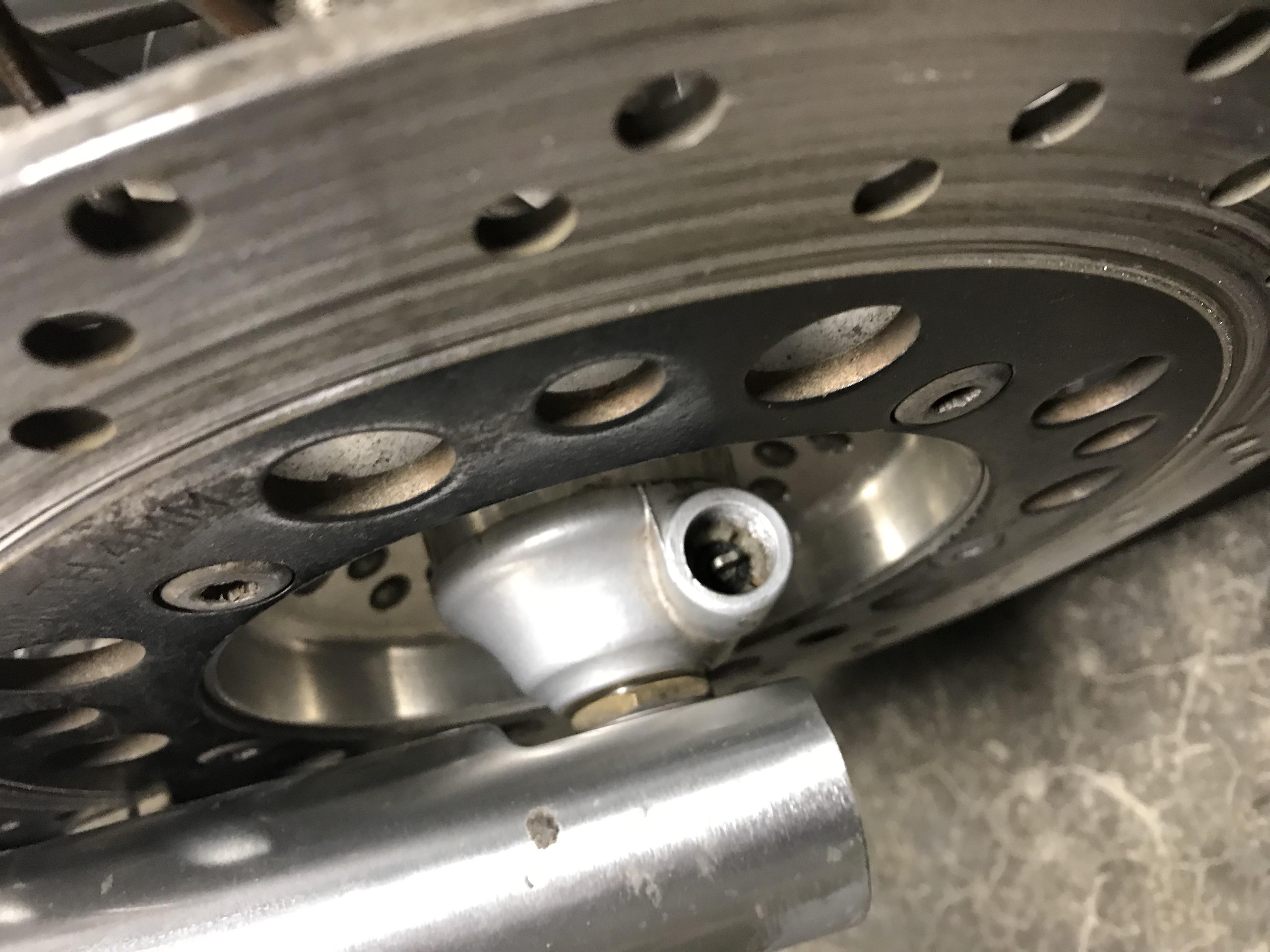 Question on 1997 Intruder Speedo gear drive front wheel-right-side.jpg