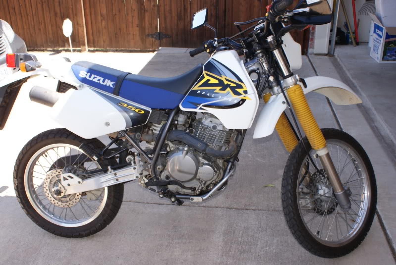What am I looking at? Suzuki DR250-some-guys-bike.jpg
